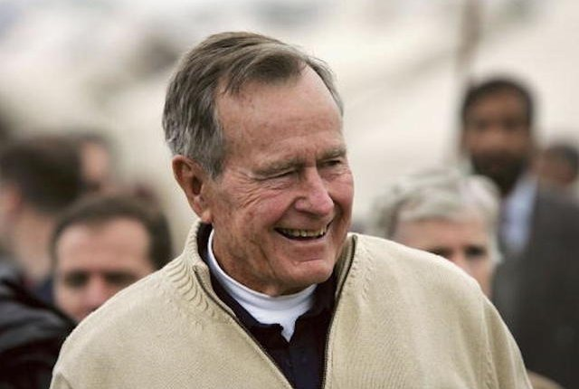 Former US President Bush Visits Earthquake Survivors in Pakistan